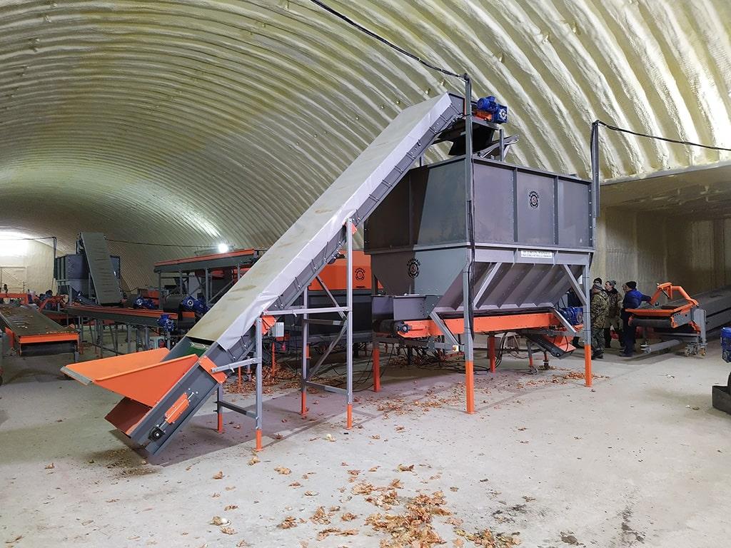 Накопительный бункер для картофеля в хозяйстве